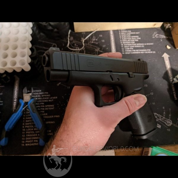 Glock 48 all black Glock night sights +holster